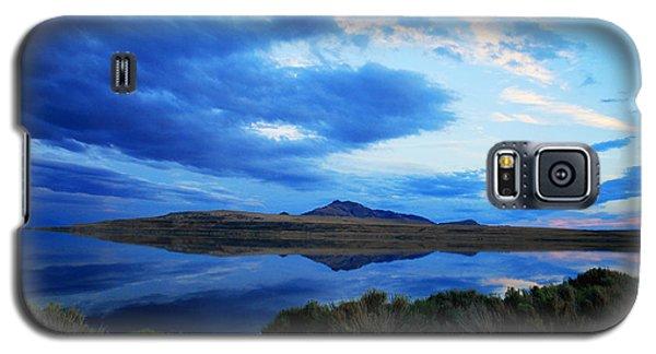 Galaxy S5 Case featuring the photograph Salt Lake Antelope Island by Matt Harang