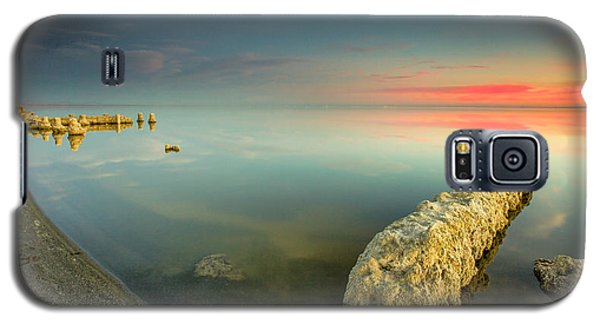 Galaxy S5 Case featuring the photograph Salton Sea Sunset by Robert  Aycock