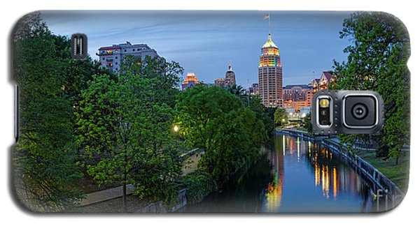 San Antonio Skyline Tower Life Building And Riverwalk From Cesar Chavez Boulevard - Texas Galaxy S5 Case