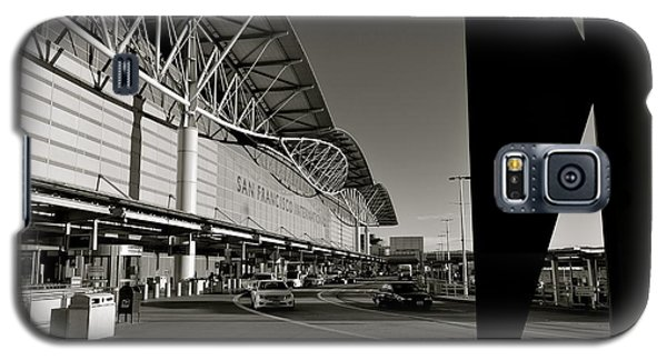 Galaxy S5 Case featuring the photograph San Francisco Airport by Alex King
