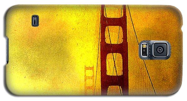 San Francisco Golden Gate Bridge Commute In Sun And Fog Galaxy S5 Case by Douglas MooreZart