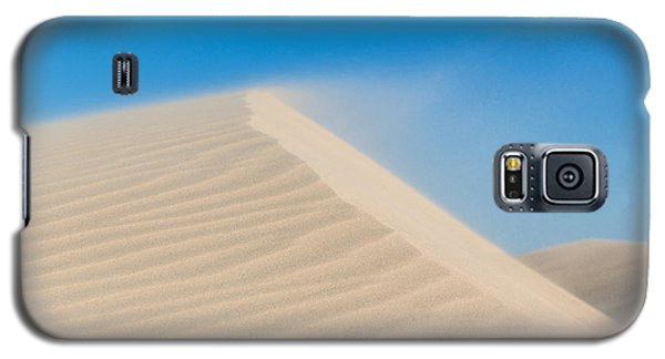 Sand Blowing Off A Dune Galaxy S5 Case