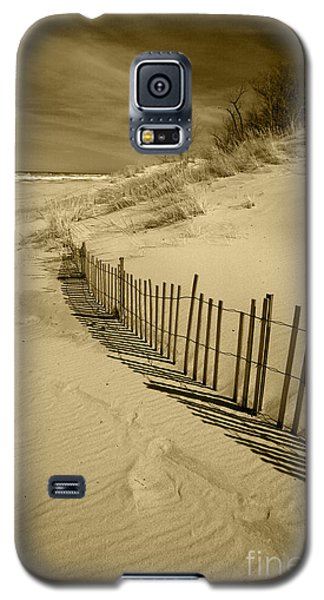 Sand Dunes And Fence Galaxy S5 Case