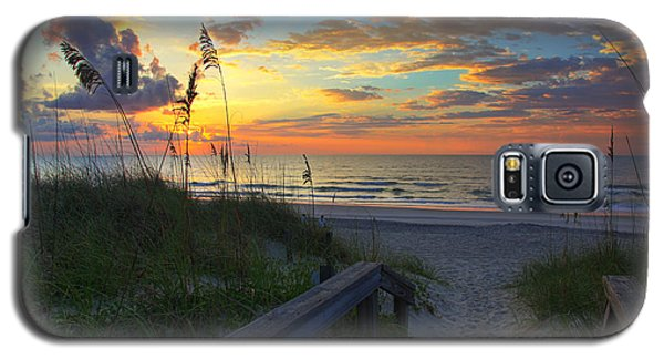 Sand Dunes On The Seashore At Sunrise - Carolina Beach Nc Galaxy S5 Case