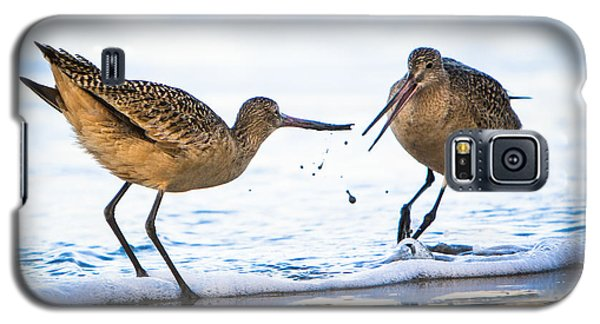Galaxy S5 Case featuring the photograph Sanderlings Playing At The Beach by John Wadleigh