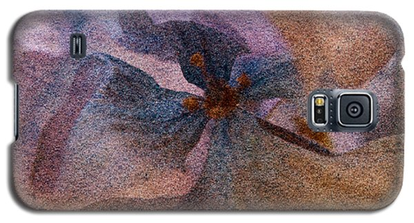 Galaxy S5 Case featuring the photograph Sandflower 2 by WB Johnston