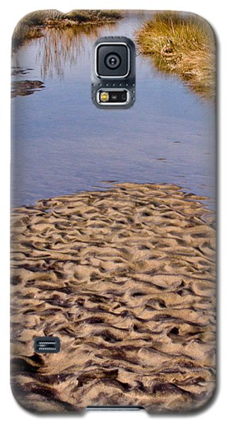 Galaxy S5 Case featuring the photograph Sandform At Sand Hook by Gary Slawsky