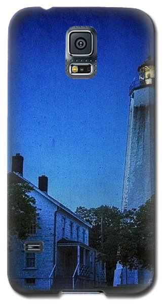 Galaxy S5 Case featuring the photograph Sandy Hook Lighthouse At Twilight by Debra Fedchin