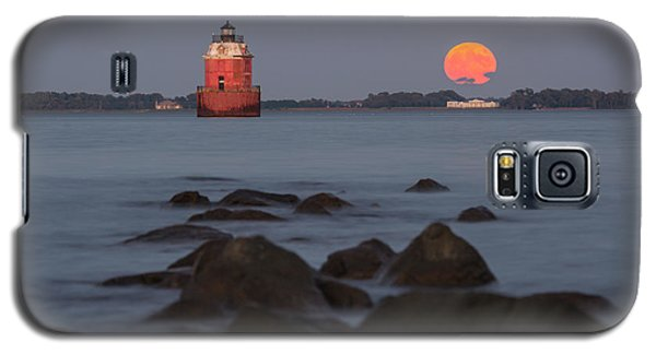 Sandy Point Lighthouse Moonrise Galaxy S5 Case