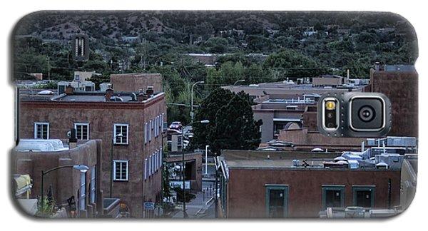 Galaxy S5 Case featuring the photograph Santa Fe Evening Rooftops by John Hansen