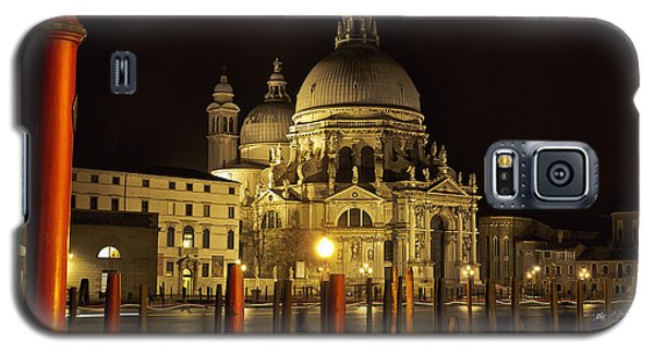 Galaxy S5 Case featuring the photograph Santa Maria Della Salute by Marion Galt