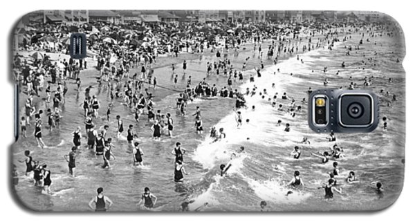 Santa Monica Beach In December Galaxy S5 Case by Underwood Archives