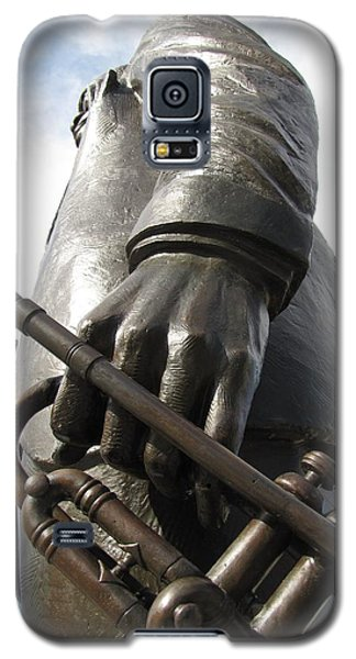 Galaxy S5 Case featuring the photograph Satchmo by Beth Vincent