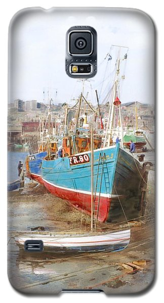 Scarborough Harbour Galaxy S5 Case by Ron Harpham