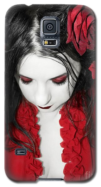 Galaxy S5 Case featuring the photograph Scarlet by Heather King