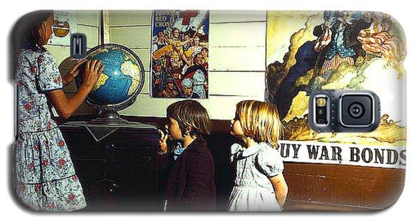 Galaxy S5 Case featuring the photograph School Children San Augustine Tx 1943 by Merton Allen