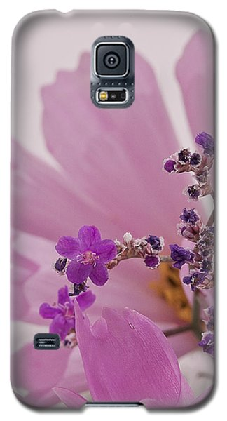 Galaxy S5 Case featuring the photograph Sea Lavender Macro  by Sandra Foster
