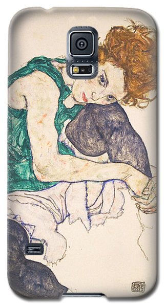 Adele Galaxy S5 Case - Seated Woman With Legs Drawn Up. Adele Herms by Egon Schiele