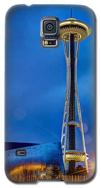 Galaxy S5 Case featuring the photograph Seattle Impressions by Wade Brooks