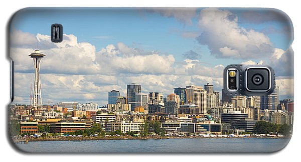 Galaxy S5 Case featuring the photograph Seattle Skyline by Janis Knight