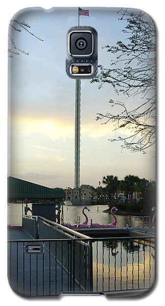 Galaxy S5 Case featuring the photograph Seaworld Skytower by David Nicholls