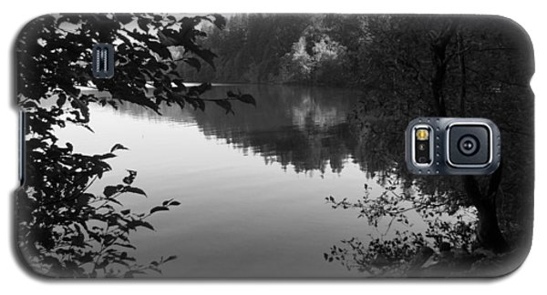Second Lake Padden Reflection In Black And White  Galaxy S5 Case by Karen Molenaar Terrell