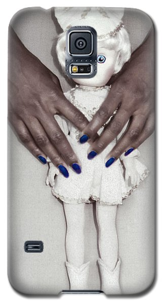 Galaxy S5 Case featuring the photograph See My Doll by Kellice Swaggerty