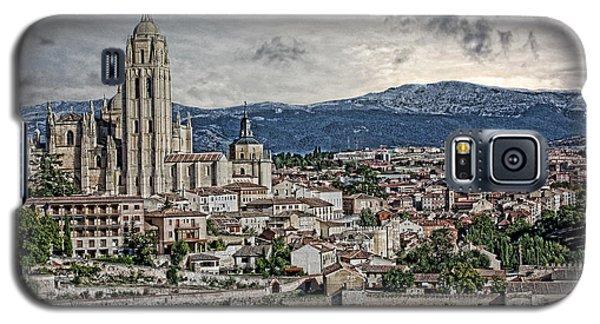 Galaxy S5 Case featuring the photograph Segovia by Angel Jesus De la Fuente