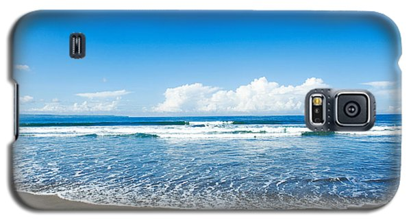 Galaxy S5 Case featuring the photograph Seminyak Beach by Yew Kwang