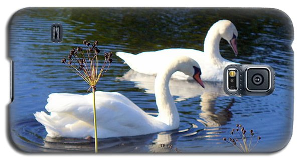 Galaxy S5 Case featuring the photograph Serenade Of  Love by Lingfai Leung