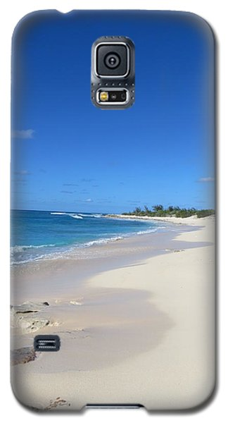 Galaxy S5 Case featuring the photograph Serenity On Grand Turk by Jean Marie Maggi