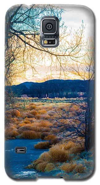 Setting Sun At Rocky Mountain Arsenal_2 Galaxy S5 Case by Tom Potter