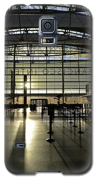Galaxy S5 Case featuring the photograph Sfo International Terminal From The Inside by Alex King