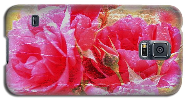 Galaxy S5 Case featuring the photograph Shabby Chic Roses by Erica Hanel
