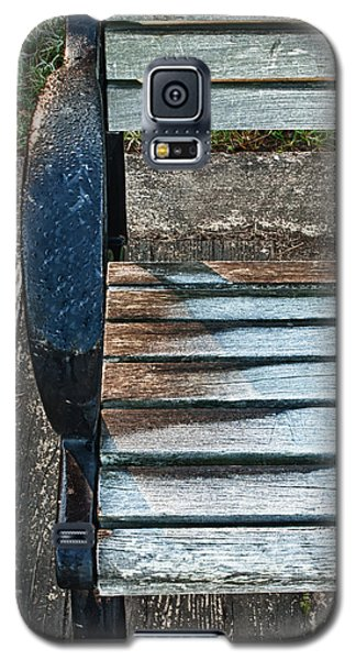 Galaxy S5 Case featuring the photograph Shadow Protecting Frost On Bench by Gary Slawsky