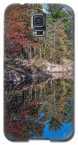 Shambeau Park Fall Reflection Galaxy S5 Case by Trey Foerster