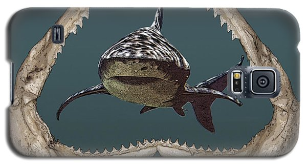 Galaxy S5 Case featuring the digital art Shark by Angel Jesus De la Fuente