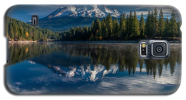 Shasta And Lake Siskiyou Galaxy S5 Case by Greg Nyquist