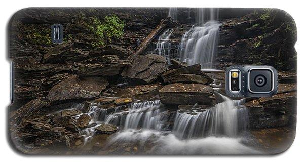 Galaxy S5 Case featuring the photograph Shawnee Falls by Roman Kurywczak