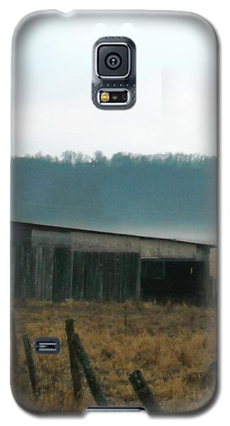 Shed In A Field Galaxy S5 Case