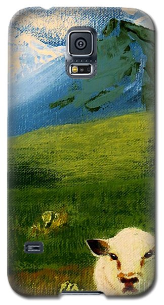 Sheep Looking In Galaxy S5 Case