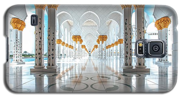 Galaxy S5 Case featuring the photograph Sheikh Zayed Grand Mosque by Robert  Aycock