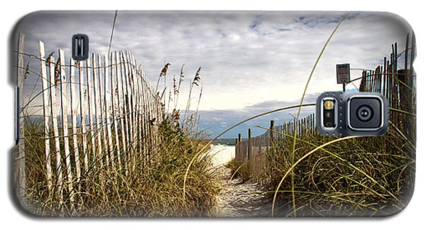 Galaxy S5 Case featuring the photograph Shell Island Beach Access by Phil Mancuso
