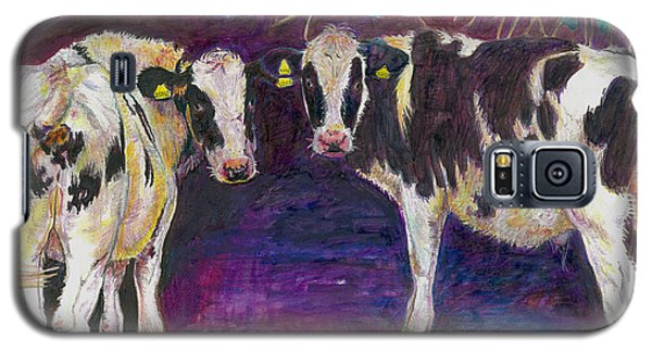 Sheltering Cows Galaxy S5 Case by Helen White