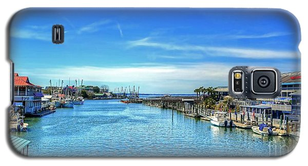 Galaxy S5 Case featuring the photograph Shem Creek by Kathy Baccari