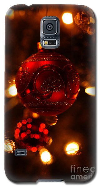 Galaxy S5 Case featuring the photograph Shimmering Reflection by Linda Shafer