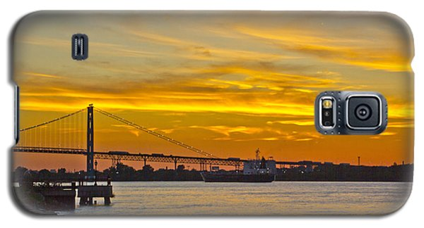 Ship Approaches Ambassador Bridge At Sunset Galaxy S5 Case