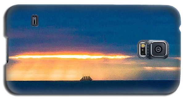 Ship On The Horizon Galaxy S5 Case