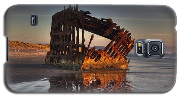 Shipwreck At Sunset Galaxy S5 Case
