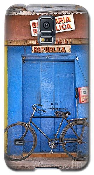 Shop On Street In Goa India Galaxy S5 Case
